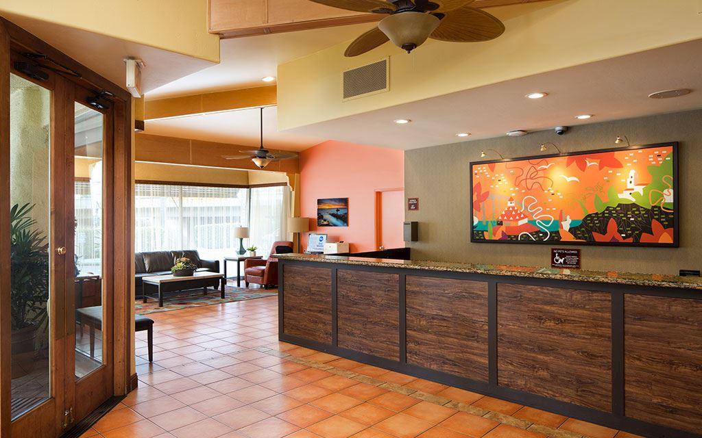 Best Western Seven Seas - Guest Lobby